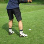 ゴルフスイング時に左足のかかとは上げる?上げない? メリット・デメリットを挙げて紹介します